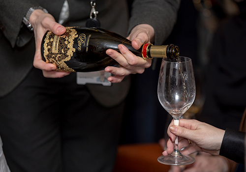 2018 The first Champagne Show takes place