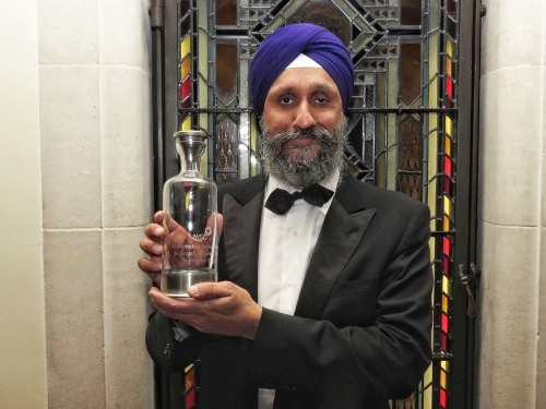 2018 Sukhinder is recognised for outstanding achievement by the IWSC